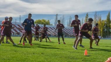 El plantel racinguista tuvo ayer su práctica de fútbol en el Cayetano Castro. No habrá cambios, si no hay imprevistos, respecto del partido de ida.