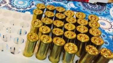 Cartuchos de municiones de calibre 38, 11.25 y 12/70, incautados.