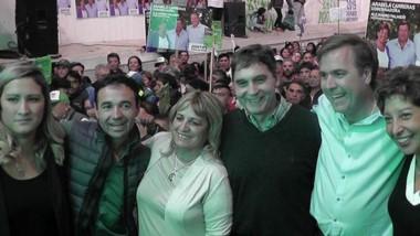 Pogliano, junto a Arabela Carreras, presentó sus concejales en las elecciones del 5 de mayo.