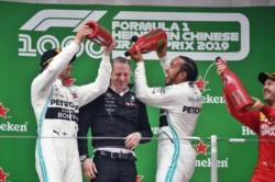 Doblete otra vez de Mercedes con Hamilton ganando y Bottas de escolta, Vettel completa el podio.