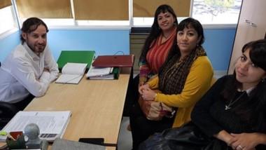 Cumbre. El concejal Juan Aguilar se reunió con Priscila Llancafil para delinear próximas capacitaciones.
