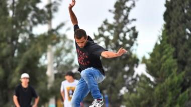 """El sábado pasado, se realizó el torneo de skate """"Buena Vida"""" en la plaza Alfredo García de la ciudad de Trelew."""