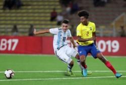 """Los tres goles sufridos en 8 minutos ponen una """"mancha"""" sobre el logro argentino."""
