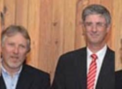 Dell (izquierda), junto al intendente Ongarato.