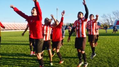 Con un presupuesto austero, Racing Club eliminó a Deportivo Rincón en la segunda fase. En la fase de grupos, eliminó a Huracán y Jorge Newbery.