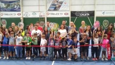 Los chicos que participaron en la Etapa Roja del Encuentro Gen1os de la Asociación Argentina de Tenis.