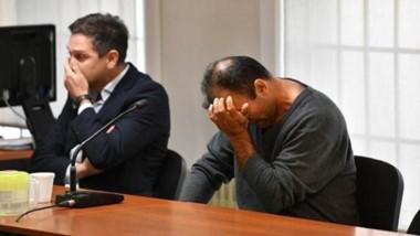 Manuel Antonio Ávila escuchando el relato de los hechos ayer en la audiencia celebrada en Puerto Madryn.