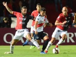 Con un doblete de Tomás Sandoval, Colón le ganó 2 a 0 a Deportivo Municipal.