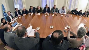 Cumbre. Los funcionarios negociaron con los empresarios.