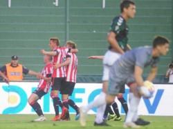 Banfield venció 1-0 a Estudiantes en el duelo de ida de la primera fase de la Copa de la Superliga.