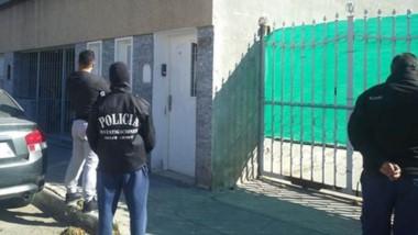 Tanto el estudio jurídico como la vivienda de Oscar Romero fueron registrados por la Brigada de Policía.