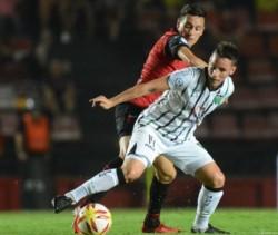 San Martín (SJ) igualó 0-0 en su visita a Colón y los 3 descensos que restan en la Superliga se definen en la última fecha.