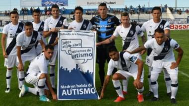 El plantel de Brown desplegó un cartel con motivo del Día Mundial de la Concientización sobre el autismo. La idea era hacerlo con chicos que realizan la campaña, pero el árbitro lo prohibió.