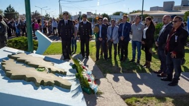 Rawson vivió  un acto con recuerdos, homenajes y también reclamos para las autoridades.