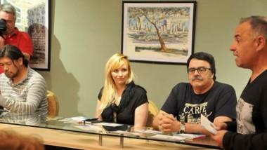 Leonardo Mezzetti, el anfitrión y los presentadores fueron los escritores Sergio Pravaz y Laureano Huayquilaf.