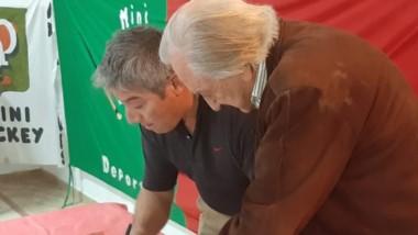 Se concretó la firma entre Deportivo Portugués y la empresa Forbex para la colocación del sintético.