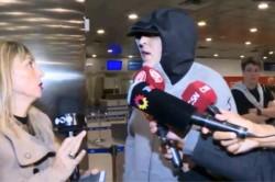La insólita explicación que dio Rafael Di Zeo de por qué salió encapuchado del aeropuerto.