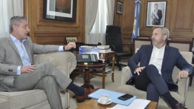 El gobernador ayer en Buenos Aires mantuvo un encuentro con el ministro del Interior, Rogelio Frigerio.
