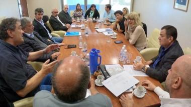Cumbre. Un nuevo encuentro reunió a los diputados con los representantes de las cooperativas y el Ente Regulador de los Servicios Públicos.