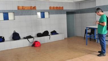 Escena. El interior del vestuario visitado por los delincuentes.