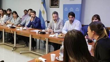 El lanzamiento oficial de la Red Observar se desarrolló en el edificio del Anexo del Congreo de la Nación con los integrantes de las distintas organizaciones participantes.