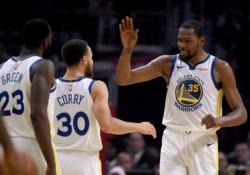 Golden State vapuleó a los Clippers en Los Ángeles y sentenció su boleto a las semifinales de conferencia.