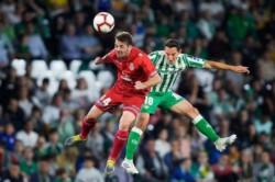 Betis, con gol sobre la hora, rescató el empate ante Espanyol.