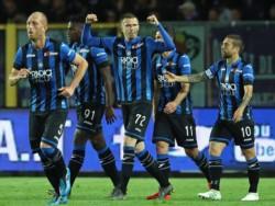 Atalanta superó 2-0 al Udinese para aferrarse al pase a Champions.