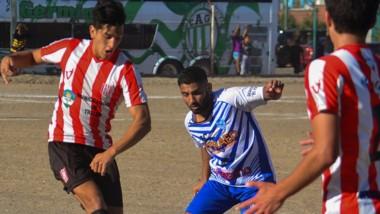 En la cancha auxiliar de Germinal, Deportivo Roca le ganó 1-0 a Racing Club de Trelew y sumó sus primeros puntos en la Zona 3 del torneo Apertura.