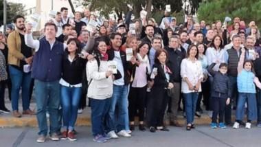 Confiados. Algunos vecinos acompañaron el cierre de campaña del referente de Mauricio Macri en Chubut.