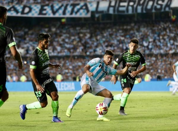 Racing, campeón de la Superliga del fútbol argentino, cerró su participación en el certamen y lo hizo a pura fiesta.