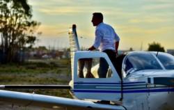 Arcioni cubrió varios trayectos de campaña a los mandos de un avión (foto y video @maxijonas)