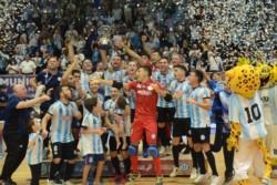 Argentina se consagra campeón del mundo de Fútbol de Salón y de esta manera consigue su segundo título mundial (1994).