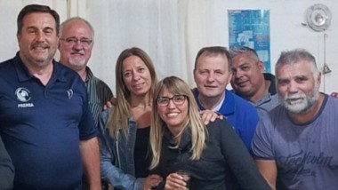 Morón fue agasajada por integrantes del Círculo de Periodistas Deportivos del Chubut en su despedida.