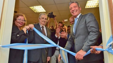 Corte de cintas. El gobernador Arcioni presidió la inauguración de las nuevas instalaciones del Hospital Regional de Comodoro Rivadavia.