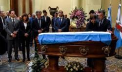 Despidieron los restos del diputado Héctor Olivares en el Congreso.