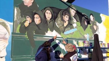 Los artistas mantuvieron reuniones con los veteranos para avanzar en la realización del mural.