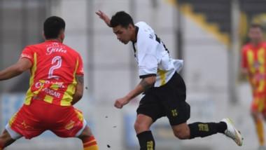 Deportivo Madryn demolió por 3-0 a Sarmiento de Resistencia en condición de local, el pasado domingo en el Abel Sastre.