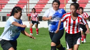 Defensores del Parque acumula hechos polémicos en su haber en su primer torneo femenino liguista.