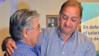 El abrazo entre el líder del Socialismo Auténtico y Carlos Linares.