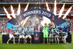 Primera vez en la historia que un club se adueña del triplete doméstico en Inglaterra: Premier, Copa de la Liga y FA Cup.