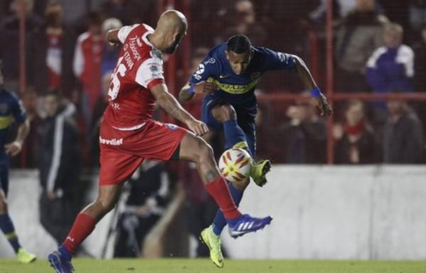 Boca volvió a empatar sin goles, ahora ante Argentinos
