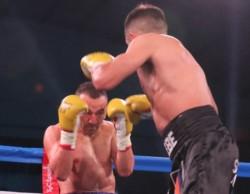 """El """"Huracán"""" Narváez volvió a subir a un ring después de trece meses y se quedó con la victoria ante Sardínez."""