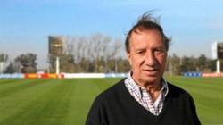 Bilardo se encuentra internado en el Instituto Argentino de Diagnóstico y Tratamiento por una neumonía.
