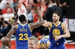Sin Durant, Iguodala y Cousins, todos lesionados, Golden State barrió a Portland 4-0 y llegó por 5ta vez seguida a la Final NBA.
