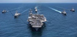 """El portaaviones """"USS Abraham Lincoln"""" llegó a la aguas del Golfo Pérsico en clara señal intimidatoria para el régimen teocrático; sin ayuda humanitaria por supuesto..."""