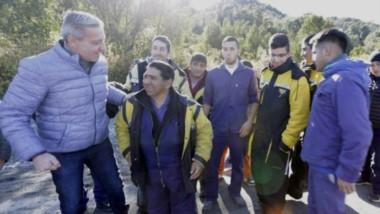El gobernador inauguró seis kilómetros de la Ruta N°71 a trvés de Vialidad Provincial y dijo que Nación quiere adjudicarse obras que son propias.