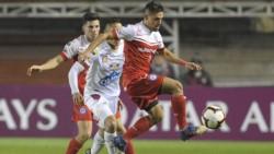 Argentinos Juniors derrotó a Deportes Tolima con un gol sobre la hora.