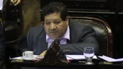 """""""En la casa del diputado nacional José Orellana"""", se estaría vacunando contra la gripe."""
