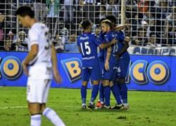 El Matador venció a Atlético Tucumán con gol de Silveira y jugará por el título ante Boca o Argentinos en el Mario Alberto Kempes.